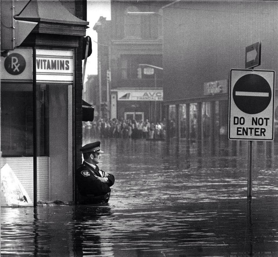 policier inondé